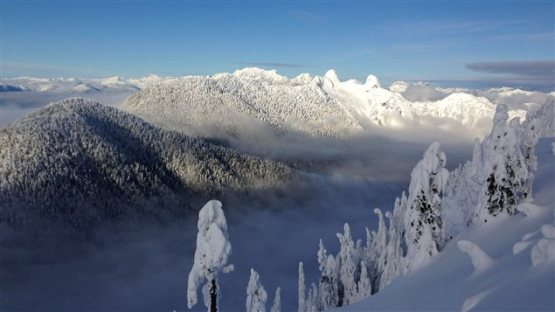 131120_cc7x0_montagnes_neige_vancouver_sn635